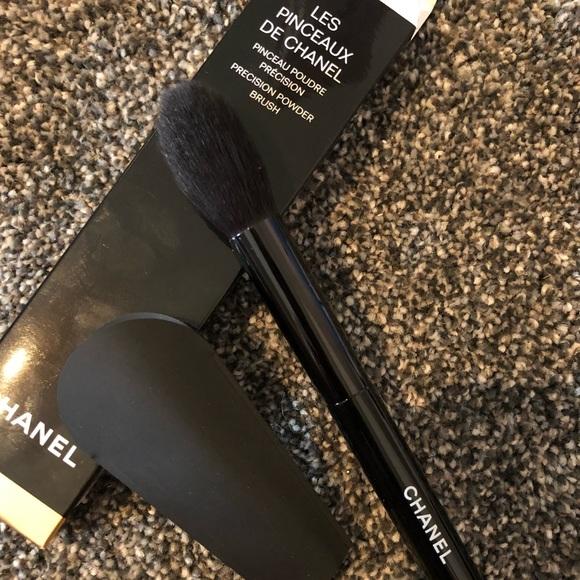 8c4eb35eee Chanel Precision Powder brush